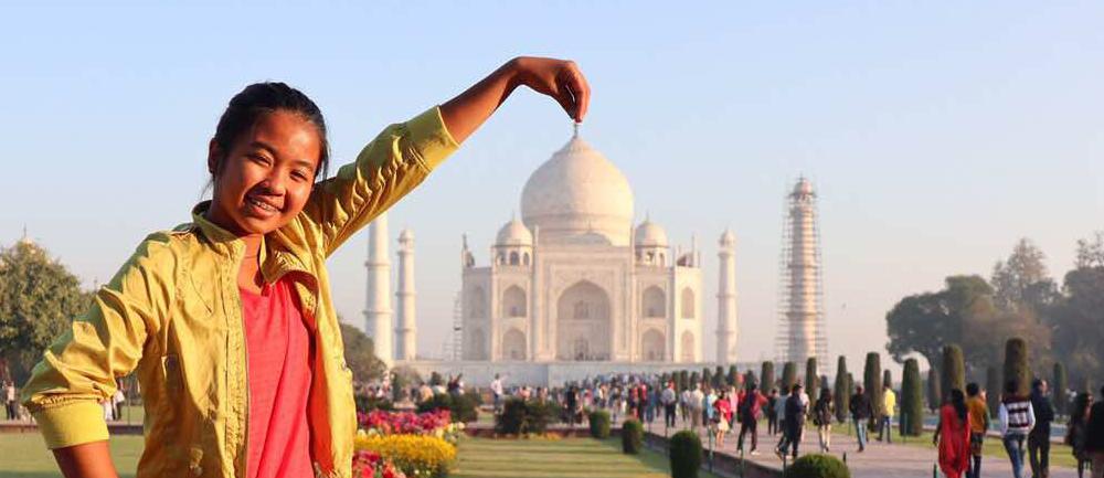 Gaby at the Taj Mahal